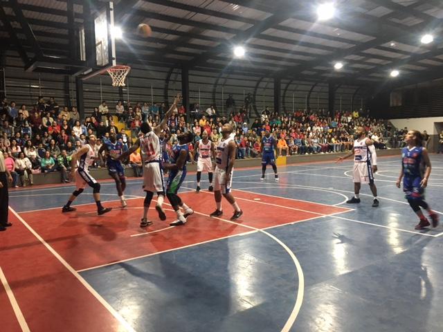 Se inicia el baloncesto mayor