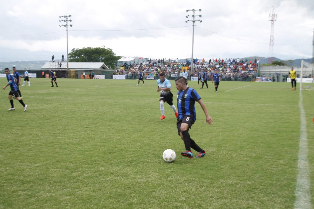 Municipal Santa Ana se adelanta en la final de Primera División