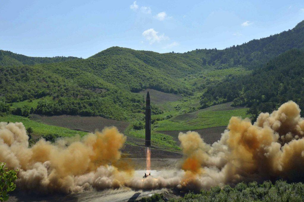 Corea del Norte siguen con pruebas de misil que alcanzaría Alaska