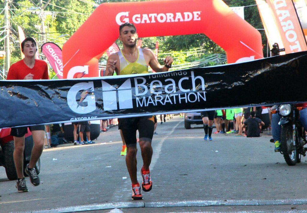 Olivo y Méndez se dejan la prueba reyna en la  … Tamarindo beach Marathon 2017