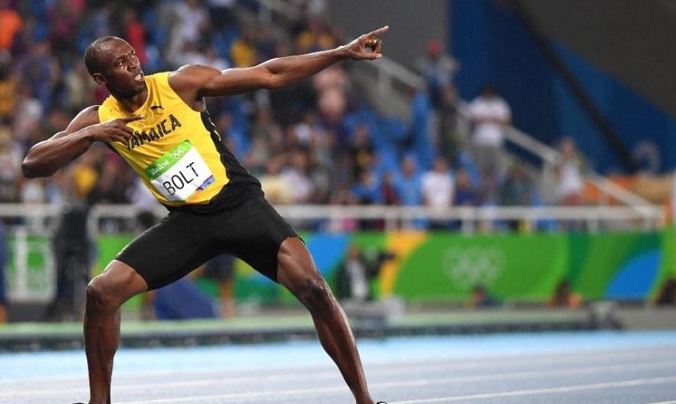 Aún mantiene vivo el sueño de ser futbolista …. Usain Bolt
