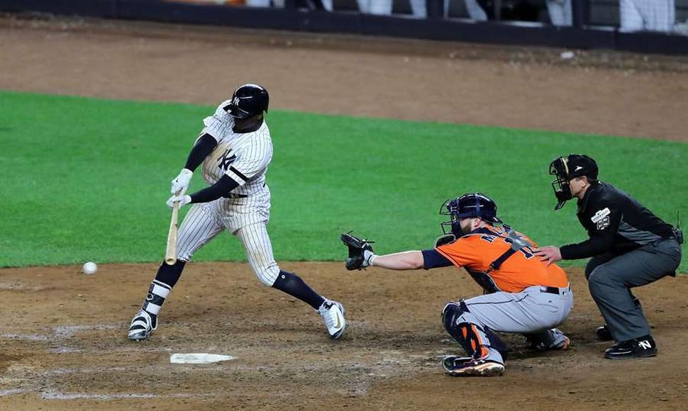 Yankees remando contra corriente derrotan a Astros y empatan la serie