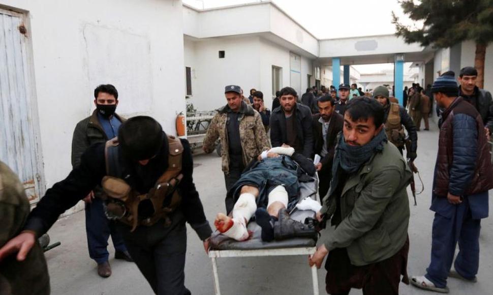 53 muertos y 158 heridos en ataque a policía Afgana