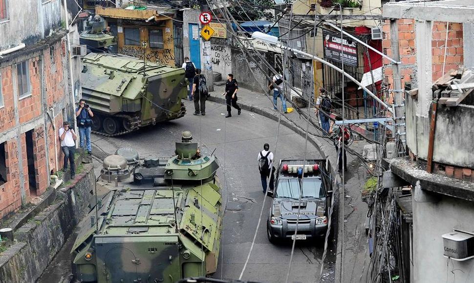 Policía mata a española tras saltarse control en favela de Río Janeiro