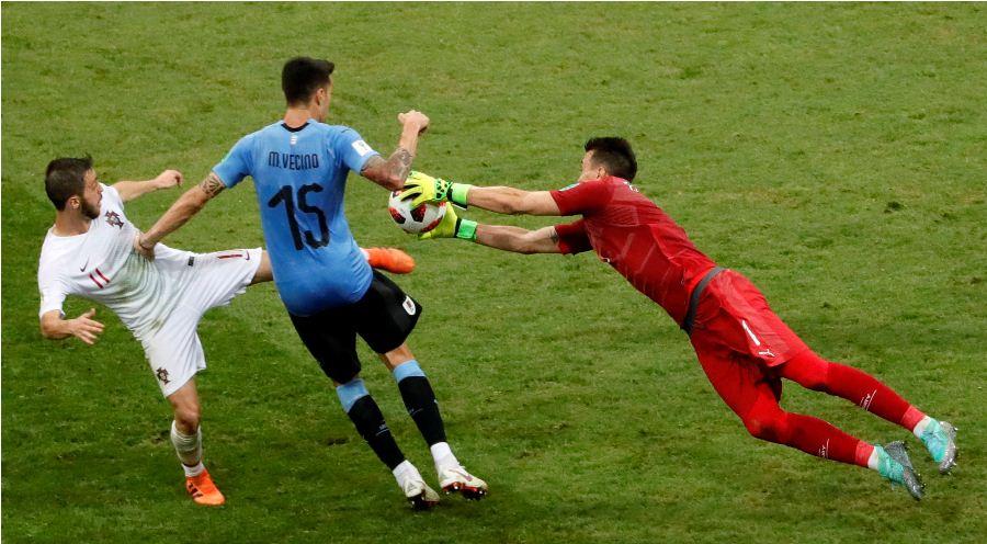 Los goleros del duelo entre Francia y Uruguay