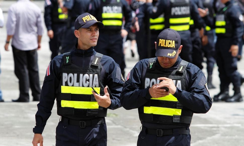 Policia mantiene custodia y control de puertos, recope y aeropuertos ante la huelga