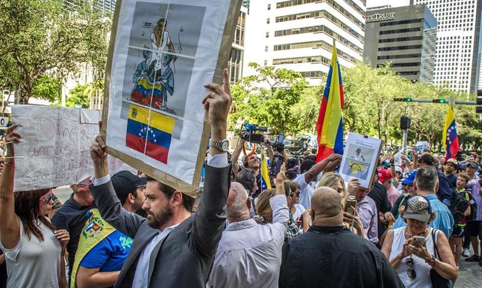 Exiliados Venezolanos no aceptan diálogo con «Chavistas disidentes»