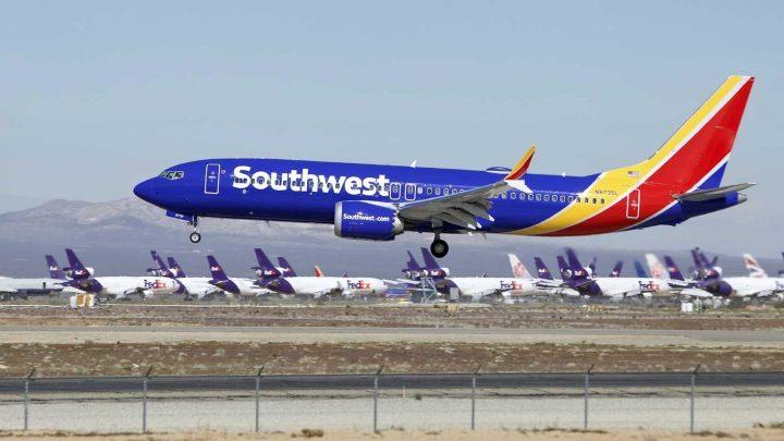 Boeing 737 Max 8 tuvo que aterrizar de emergencia en Florida