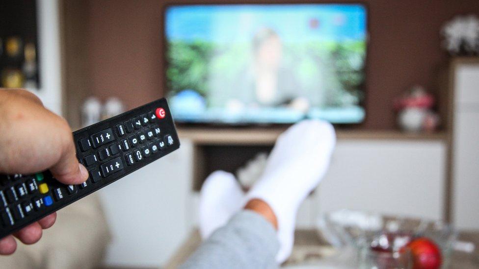 Como convertir tu celular en un control para tu TV