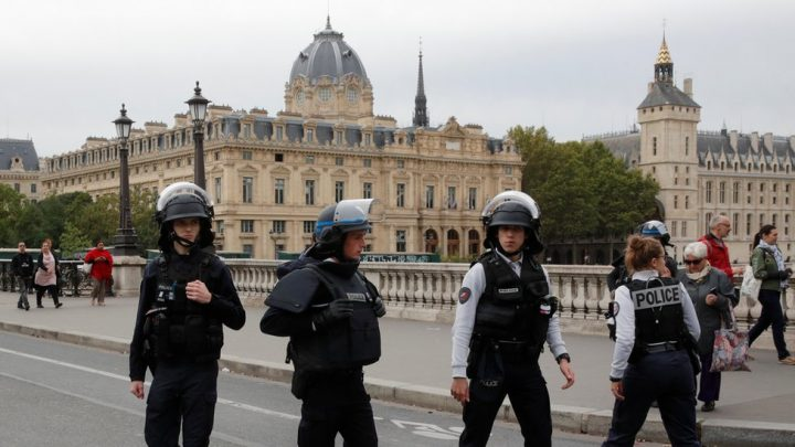 4 muertos en Paris, la situación sigue complicada