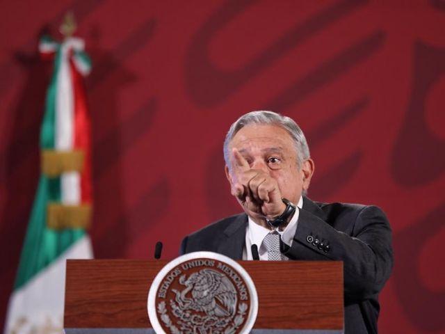 """López Obrador """"toca madera"""" para que pandemia no golpee a México como a Guayaquil"""