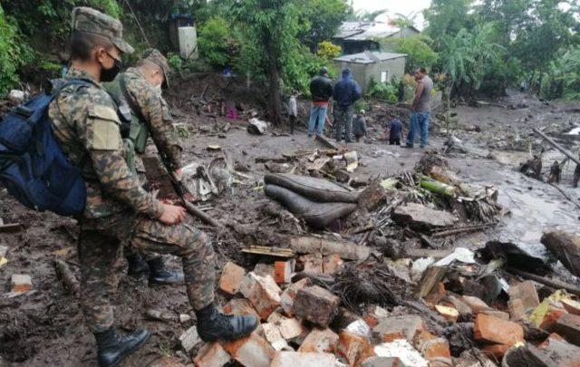 Lluvias en El Salvador dejan más de 24 mil familias afectadas, 7 mil albergados, 7 desaparecidos y 16 fallecidos