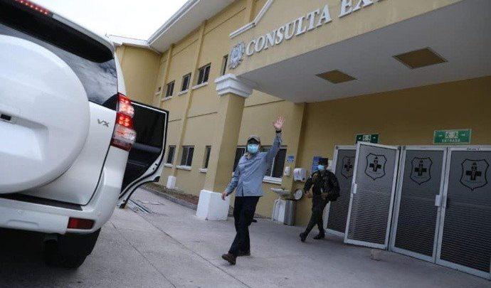 Presidente de Honduras sale del hospital recibe el alta luego de contagiarse con Covid-19