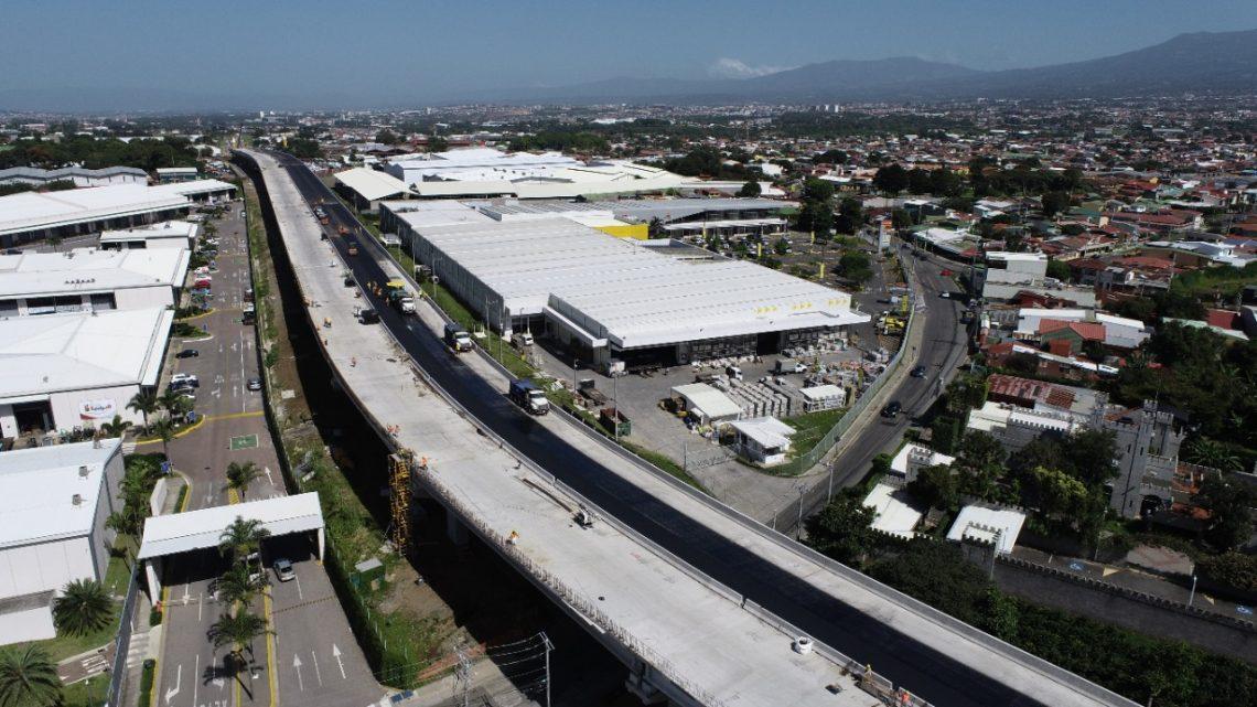 Avanza asfaltado de cuatro carriles del viaducto de Circunvalación Norte, el más extenso del país