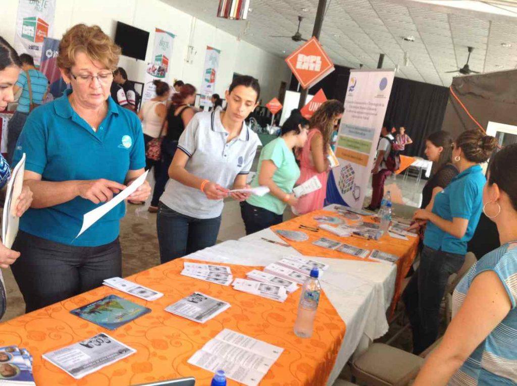 Alrededor de 150 personas beneficiarias de EMPLEATE se gradúan en Pérez Zeledón