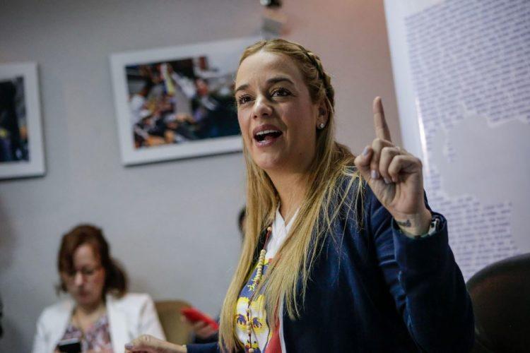 Policía venezolana confisca 200 millones de bolívares a Lilian Tintori