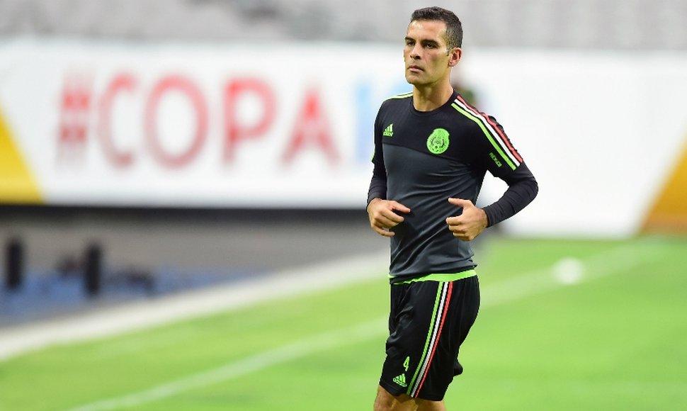 Rafa Márquez se mantiene entrenando esperando un eventual regreso a las canchas