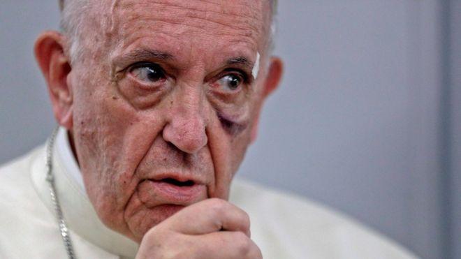"""""""El hombre es un estúpido"""": la dura crítica del papa Francisco a quienes niegan el cambio climático"""