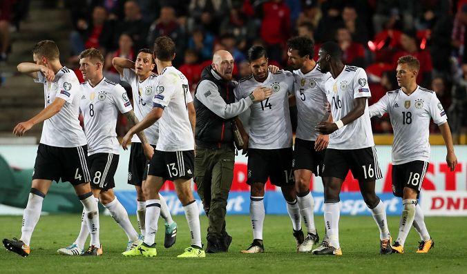 Alemania y Inglaterra ganan y quedan muy cerca del Mundial Rusia 2018