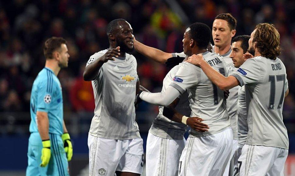 Man U y Lukaku pitando fuerte en la Champions