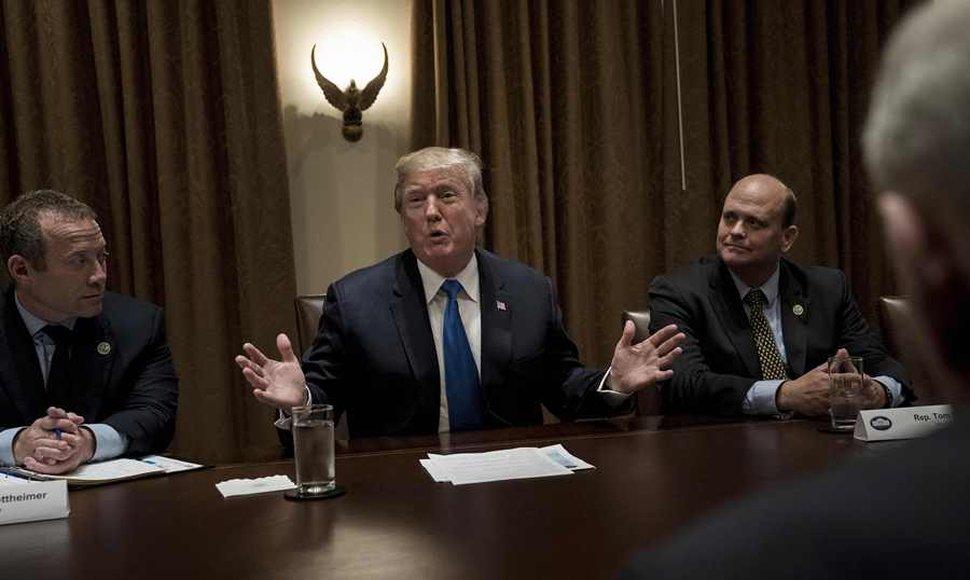 Líderes demócratas acuerdan con Presidente Trump proteger a los soñadores con una ley