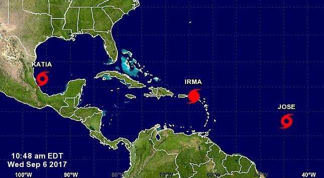 El ojo del huracán Irma, de categoría 5, pasa sobre islas del Caribe