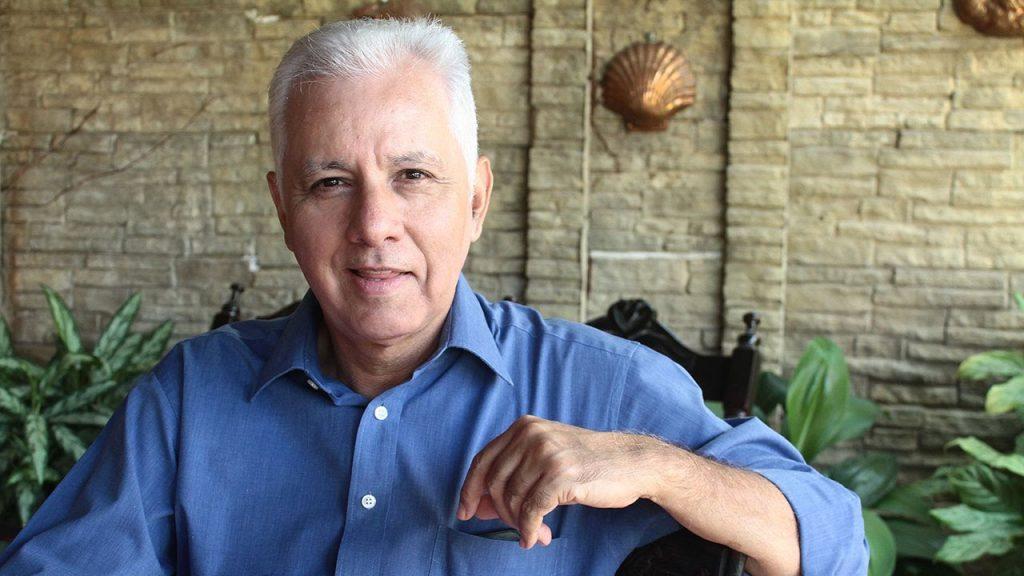 Everardo Herrera….. Ha sido un campeonato donde impera el Herediano y en La Sele Oscar Ramírez debe tener humildad para darse cuenta de las fallas.