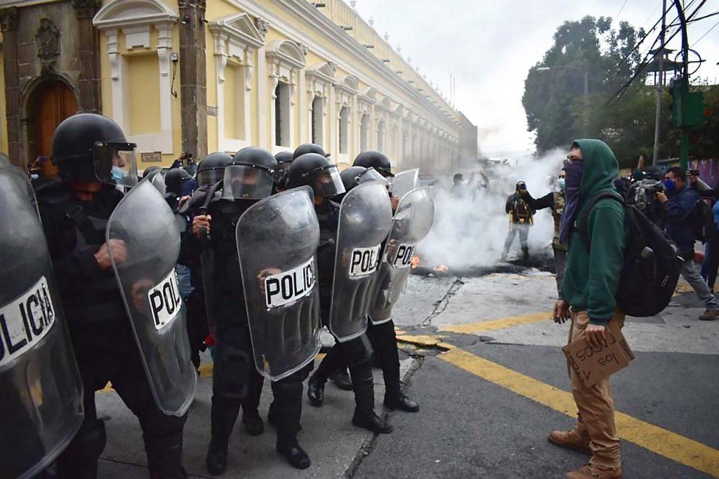 Antimotines Chapines retoman el control del congreso Guatemalteco